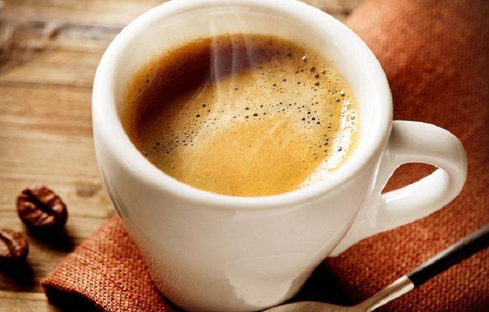 il tè verde decaffeinato aiuta a bruciare i grassin