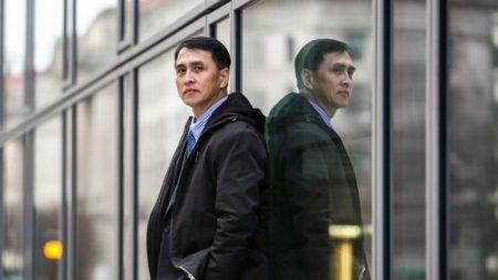 Imprenditore rischia la vita per raccontare i campi di concentramento cinesi