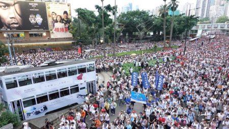 Hong Kong, imprenditori annullano i propri investimenti e li spostano all'estero