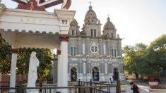 Vaticano: la Cina smetta di intimidire i cattolici fedeli al Papa