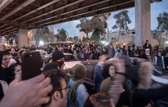 Iran, proteste senza precedenti dopo l'abbattimento dell'aereo ucraino