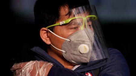 Coronavirus, l'esperto immunologo consiglia di non farsi illusioni