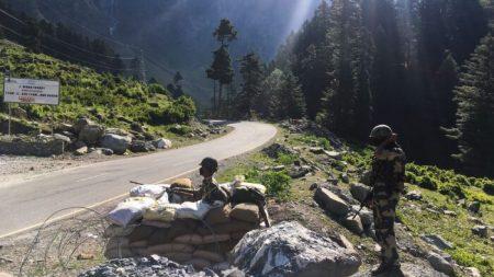 Il regime cinese si scontra sempre con l'India quando incontra delle sfide