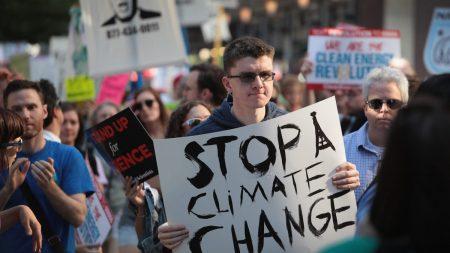 Noto ambientalista si scusa: eccessivi gli allarmismi sul clima
