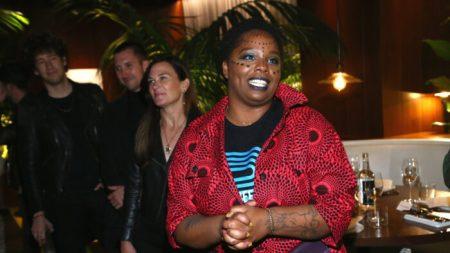 Cofondatrice di Black Lives Matter firma un accordo con la Warner Bros
