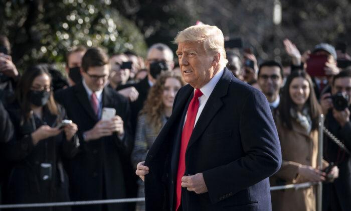Trump impone nuove sanzioni, colpite Xiaomi e altre aziende cinesi