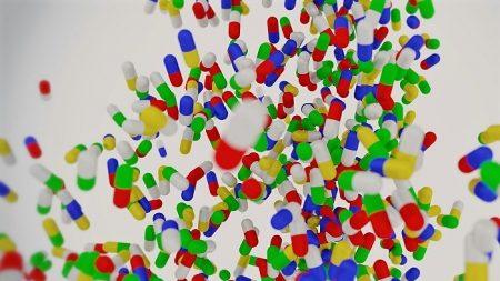 Le industrie farmaceutiche «inventano le malattie», il vecchio documentario Rai diventa un caso