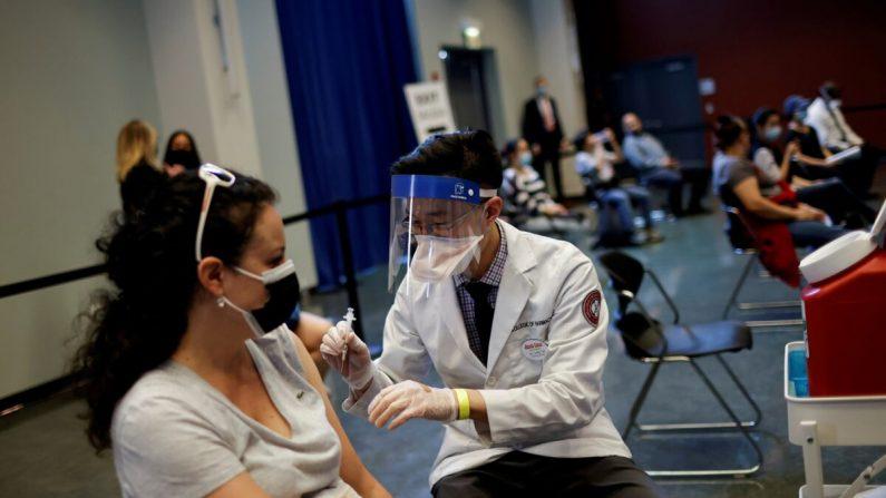 7.157 americani completamente vaccinati hanno contratto Covid-19, 88 sono morti