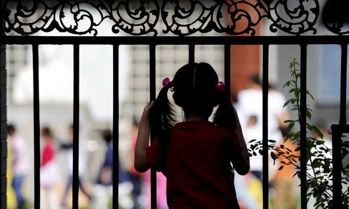 Le terribili cause dietro la «politica dei tre bambini» del regime comunista cinese