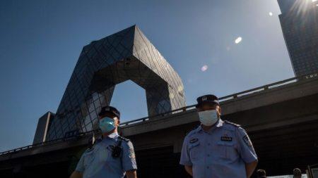 Arrestati 11 cinesi che avevano inviato foto sugli inizi del Covid-19 a Epoch Times