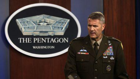 Kabul, Pentagono: l'attentatore suicida era «solo uno»