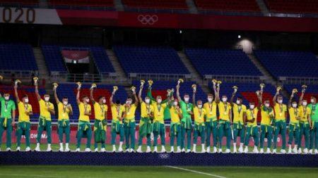 La squadra di calcio brasiliana rifiuta di mostrare le tute sponsorizzate dalla Cina