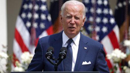 Biden: l'obbligo nazionale per il vaccino? «Non in esame in questo momento»