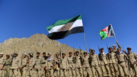 Forze di resistenza afghane: catturati centinaia di terroristi talebani