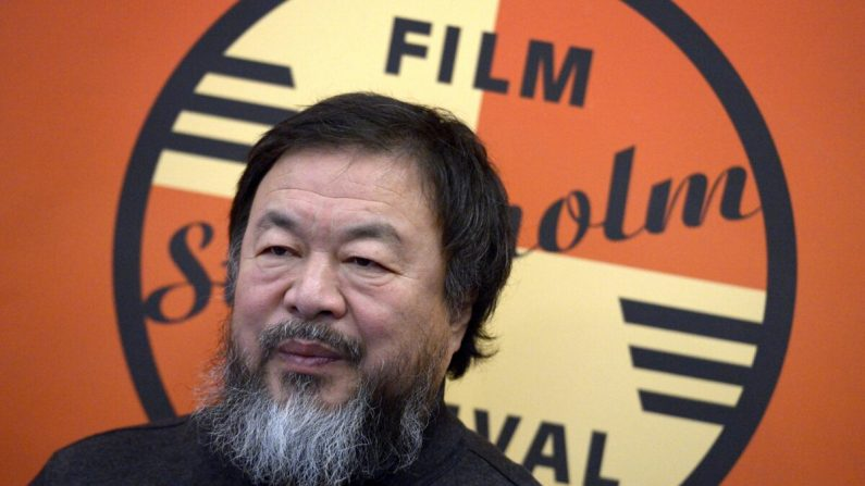 L'artista dissidente cinese Ai Weiwei vittima della corruzione di banche e musei occidentali
